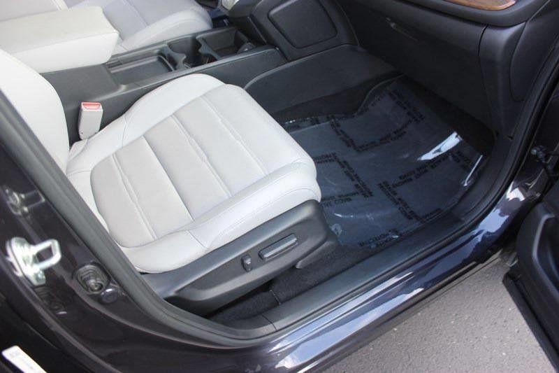 2017 Honda CR-V Touring AWD - 17931575 - 48