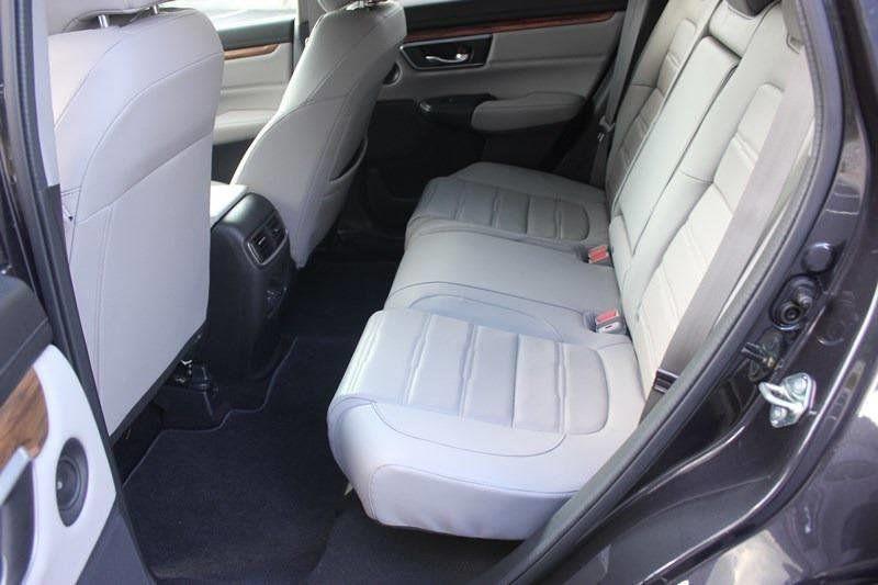 2017 Honda CR-V Touring AWD - 17931575 - 4
