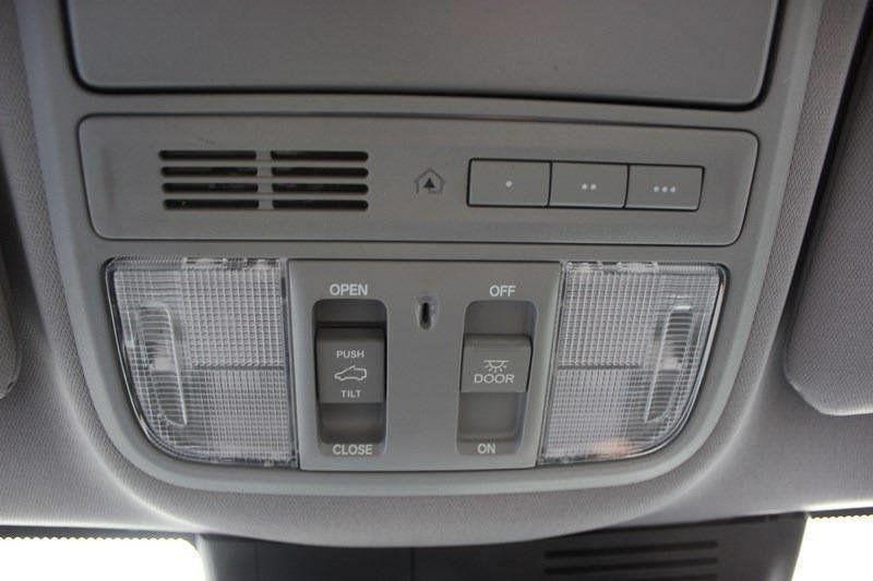 2017 Honda CR-V Touring AWD - 17931575 - 58