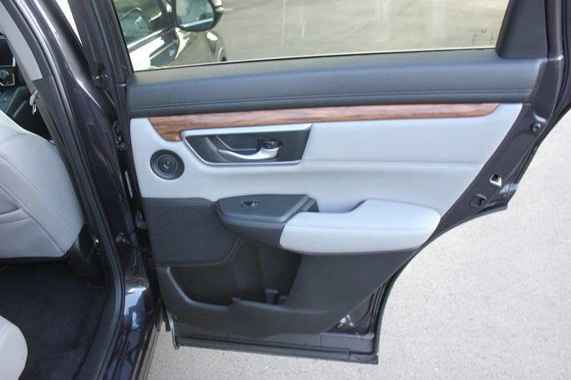 2017 Honda CR-V Touring AWD - 17931575 - 81