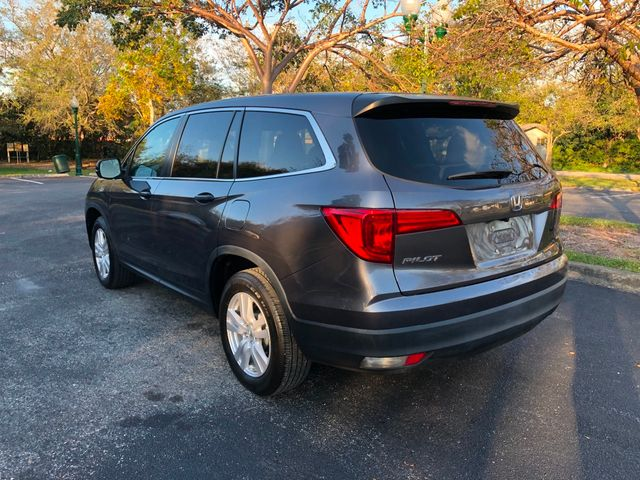 2017 Honda Pilot LX 2WD - Click to see full-size photo viewer