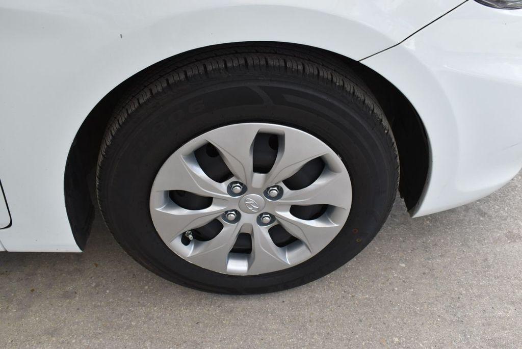 2017 Hyundai Accent  - 18663316 - 9