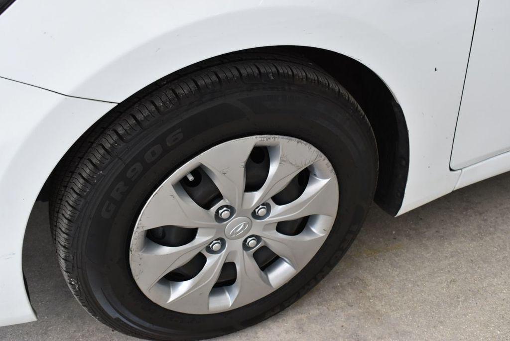2017 Hyundai Accent  - 18663316 - 5
