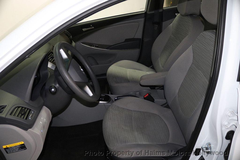 2017 Hyundai Accent SE Sedan Manual - 17810299 - 15