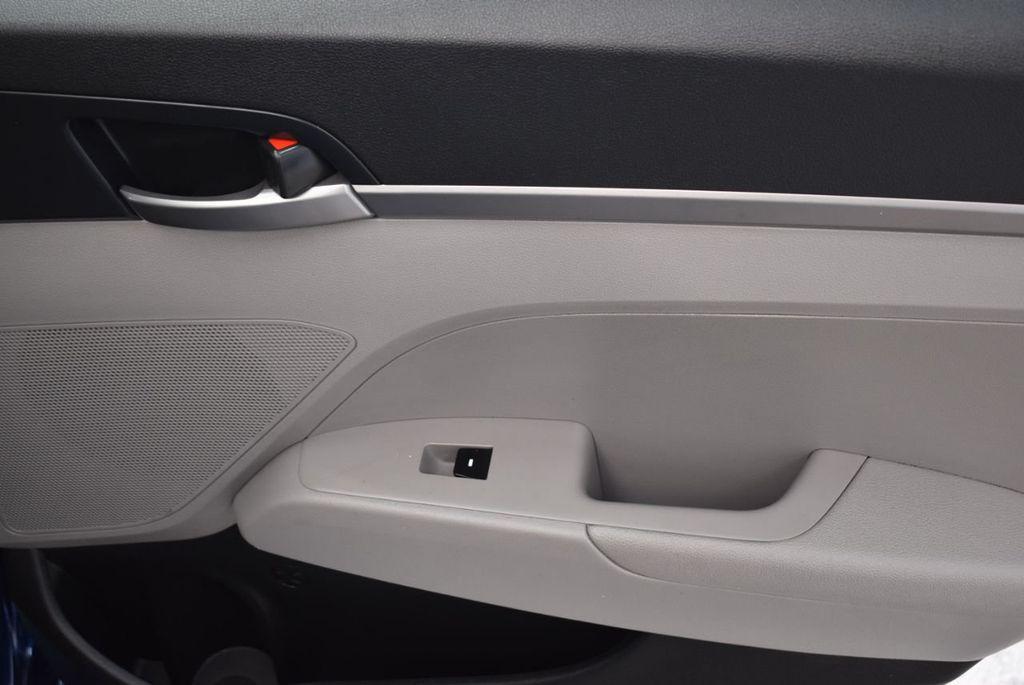 2017 Hyundai Elantra  - 18546142 - 21