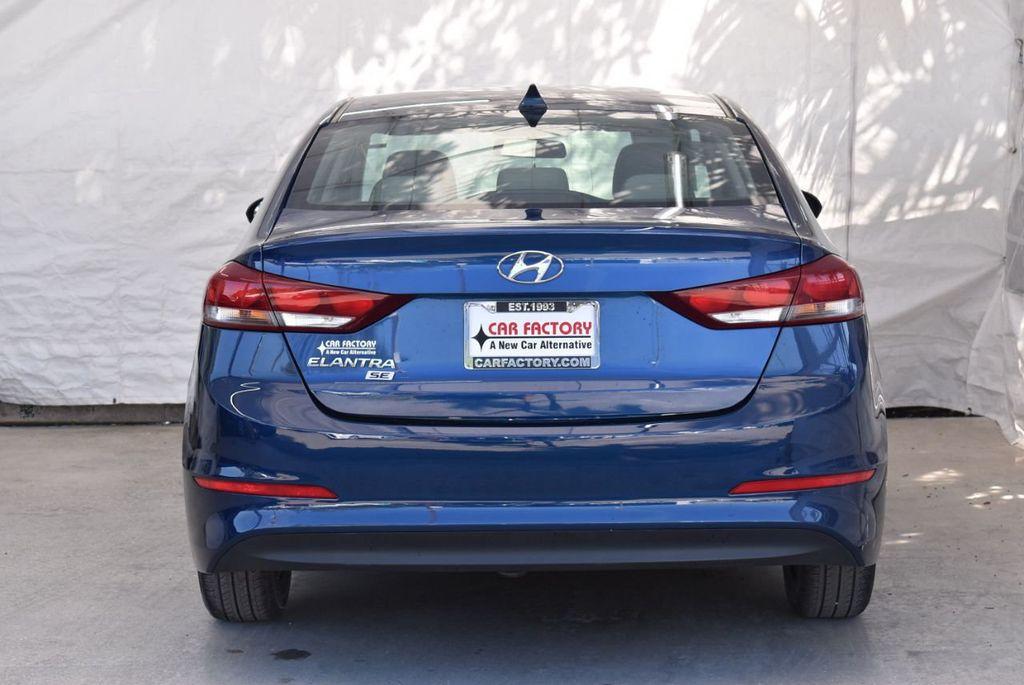 2017 Hyundai Elantra  - 18546142 - 5
