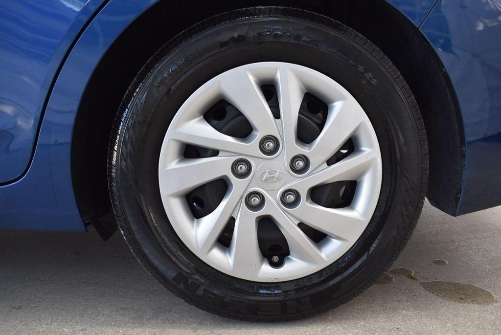 2017 Hyundai Elantra  - 18546142 - 6