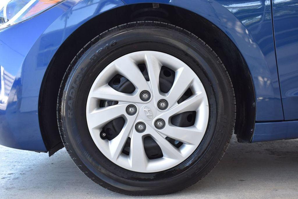 2017 Hyundai Elantra  - 18546142 - 7
