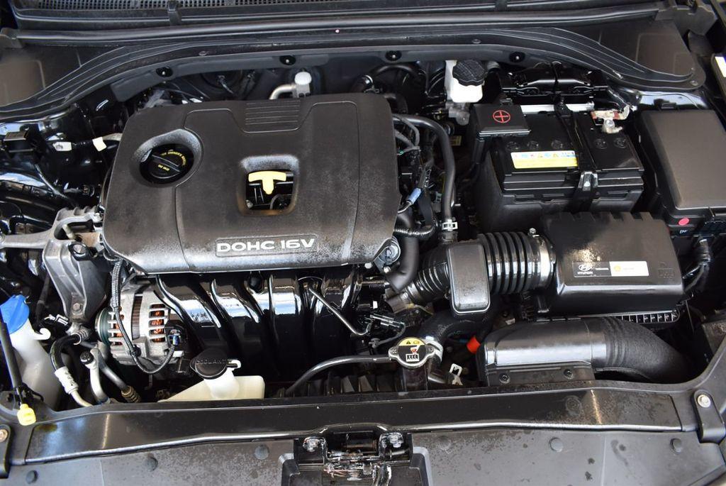 2017 Hyundai Elantra SE - 18122114 - 13