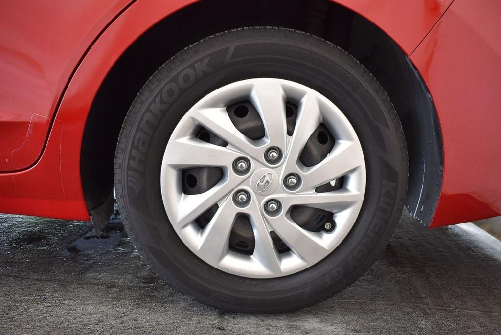 2017 Hyundai Elantra SE 2.0L Automatic - 17456975 - 10