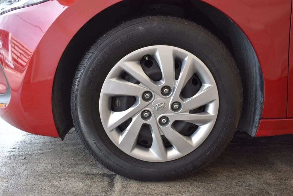 2017 Hyundai Elantra SE 2.0L Automatic - 17456975 - 11