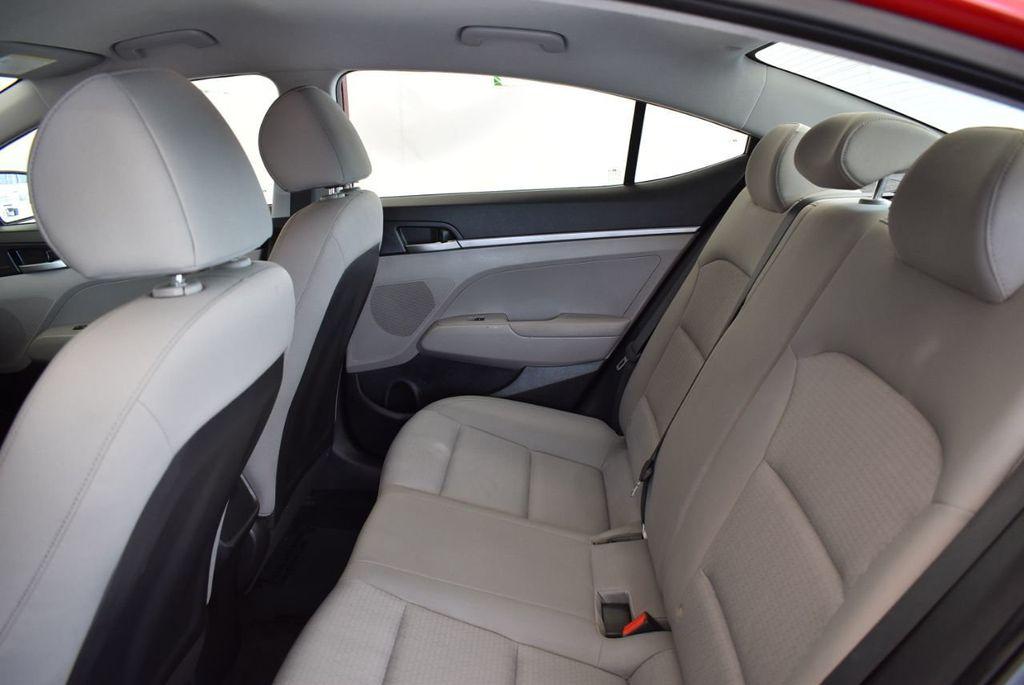 2017 Hyundai Elantra SE 2.0L Automatic - 17456975 - 12