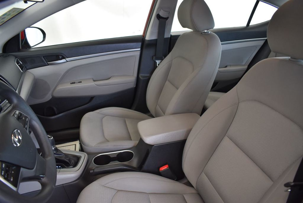 2017 Hyundai Elantra SE 2.0L Automatic - 17456975 - 14