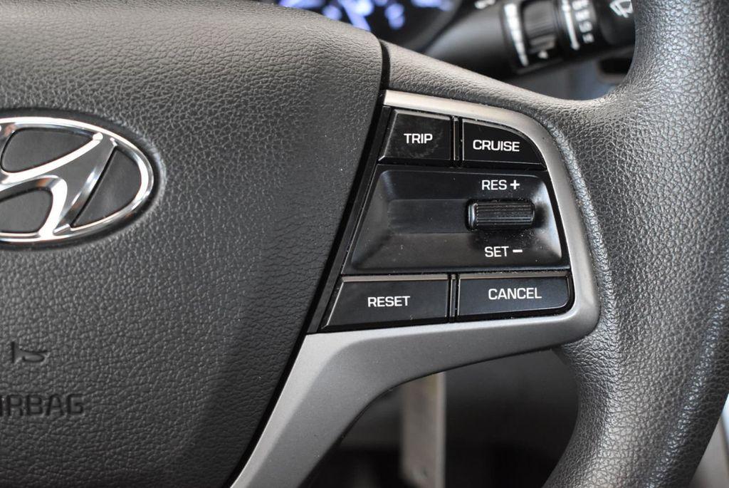 2017 Hyundai Elantra SE 2.0L Automatic - 17456975 - 18