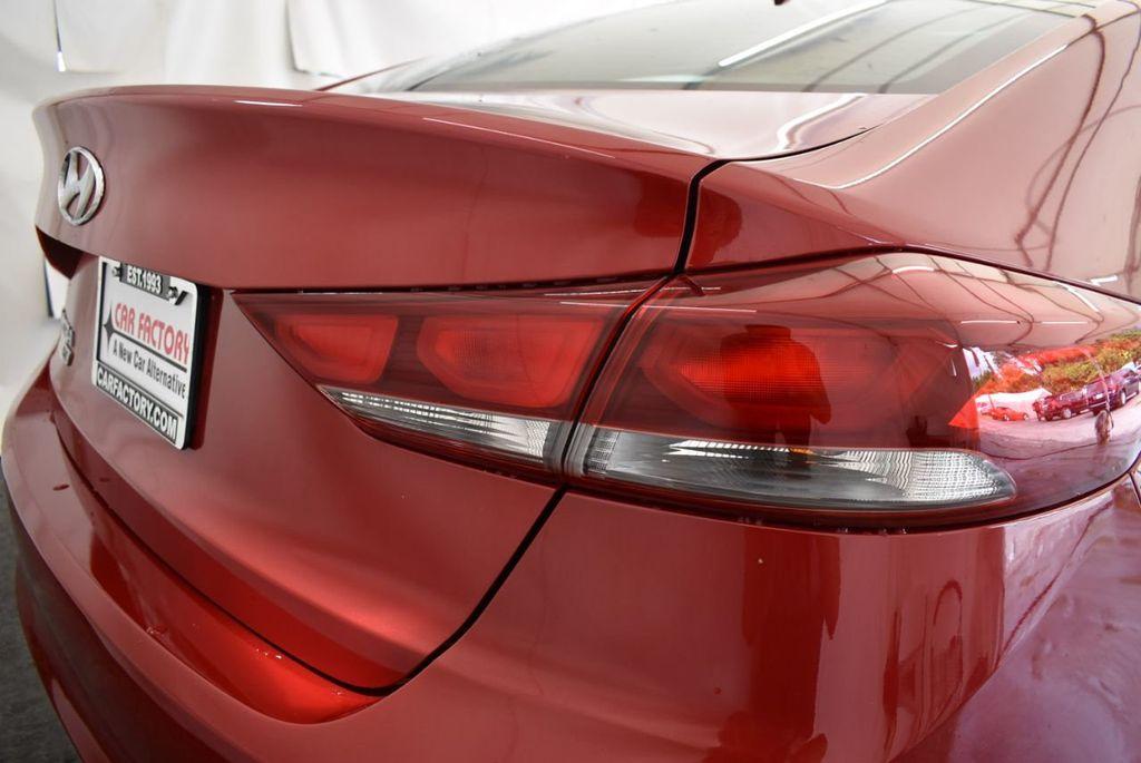 2017 Hyundai Elantra SE 2.0L Automatic - 17456975 - 1
