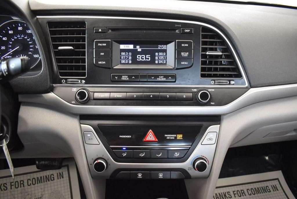 2017 Hyundai Elantra SE 2.0L Automatic - 17456975 - 20