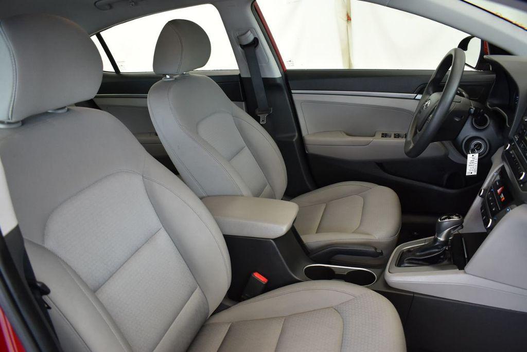 2017 Hyundai Elantra SE 2.0L Automatic - 17456975 - 24
