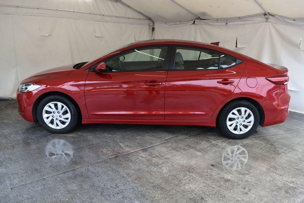 2017 Hyundai Elantra SE 2.0L Automatic - 17456975 - 4