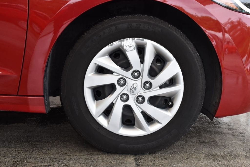 2017 Hyundai Elantra SE 2.0L Automatic - 17456975 - 8