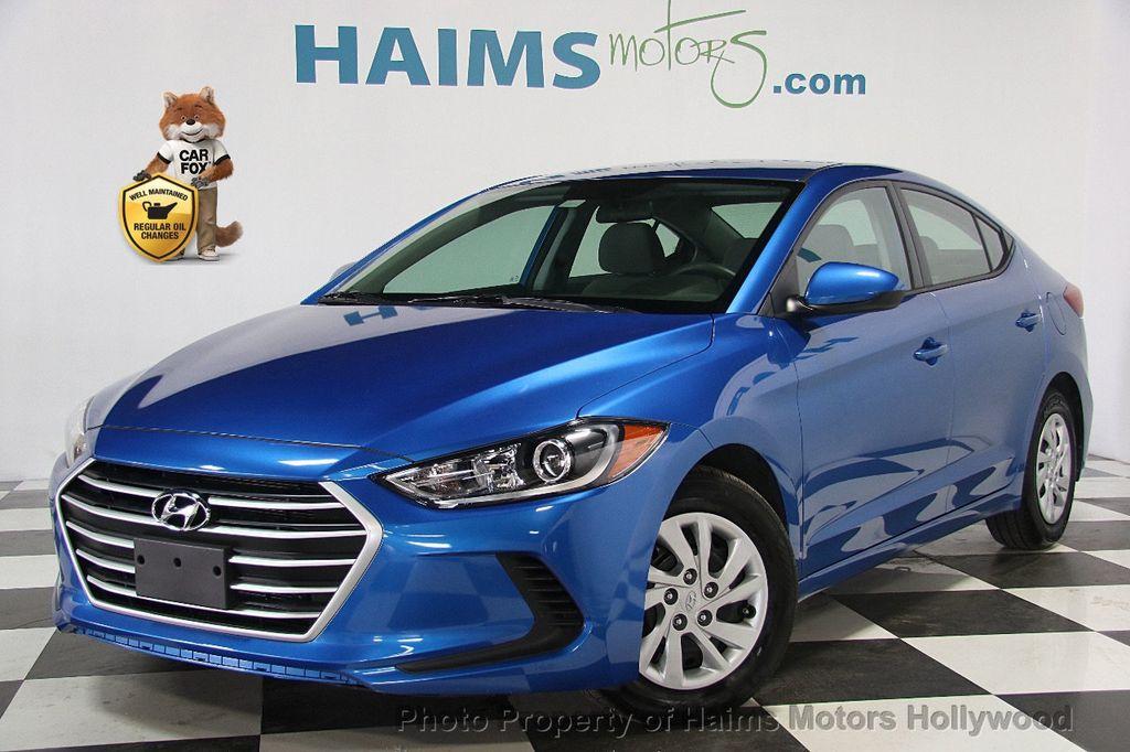 2017 Hyundai Elantra SE 2.0L Automatic - 17093687 - 0