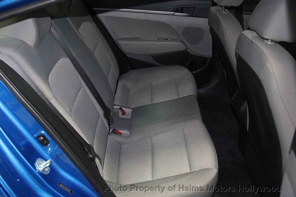 2017 Hyundai Elantra SE 2.0L Automatic - 17093687 - 14