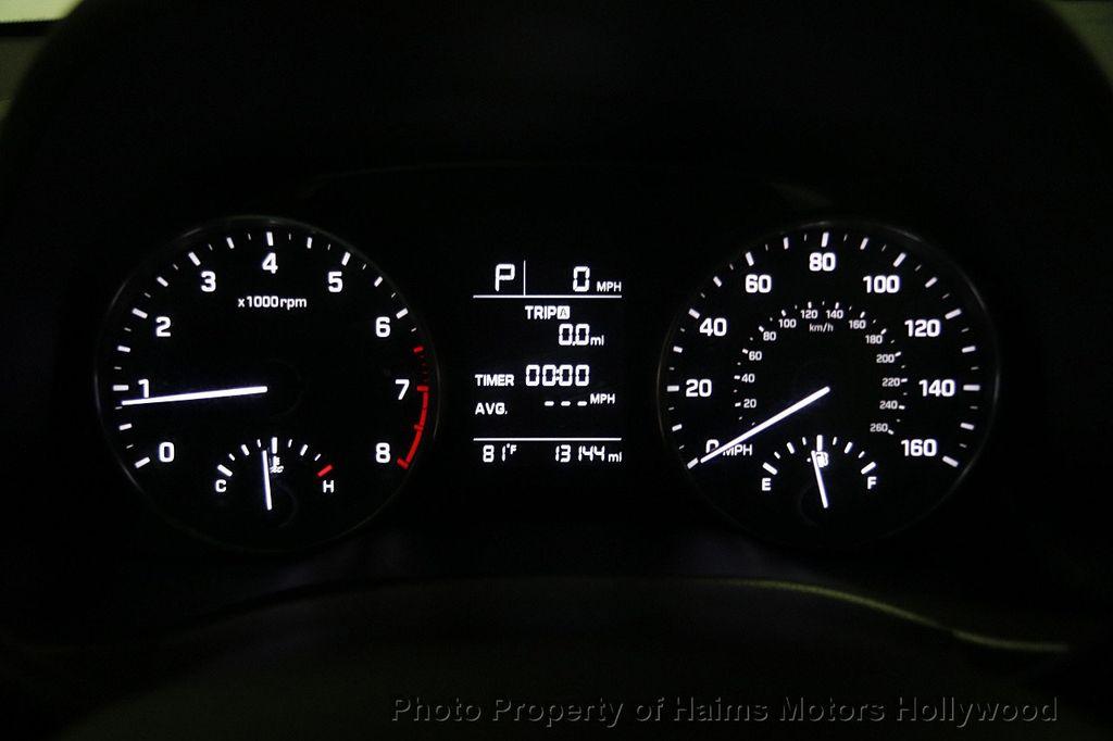 2017 Hyundai Elantra SE 2.0L Automatic - 17093687 - 26
