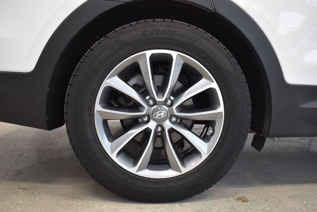 2017 Hyundai Santa Fe  - 18546205 - 9