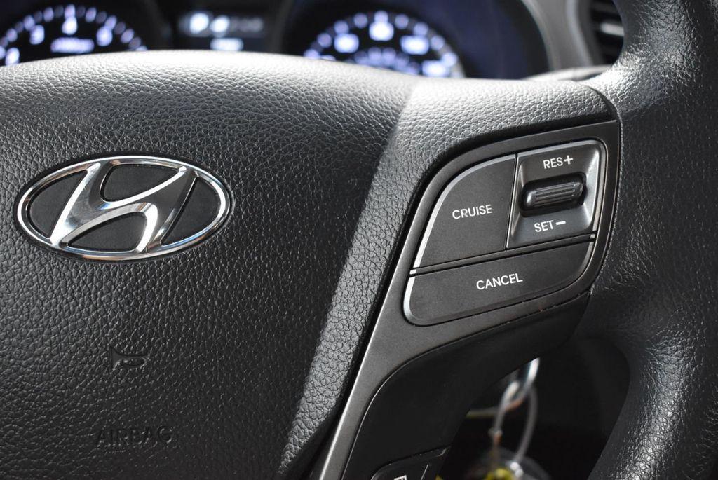 2017 Hyundai Santa Fe  - 18546205 - 19