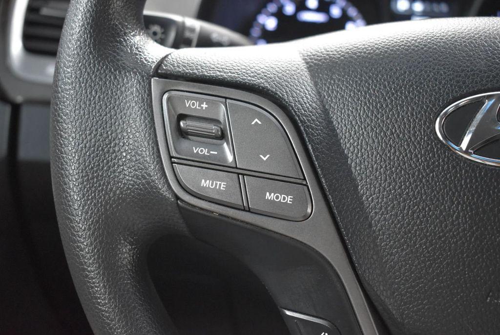 2017 Hyundai Santa Fe  - 18546205 - 20