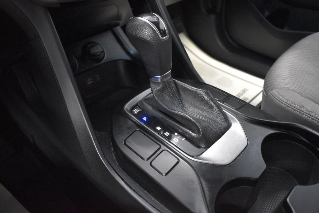 2017 Hyundai Santa Fe  - 18546205 - 22
