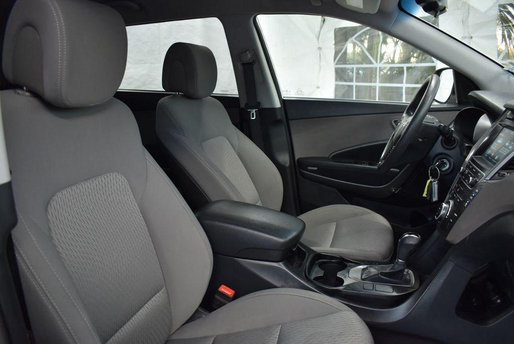 2017 Hyundai Santa Fe  - 18546205 - 26
