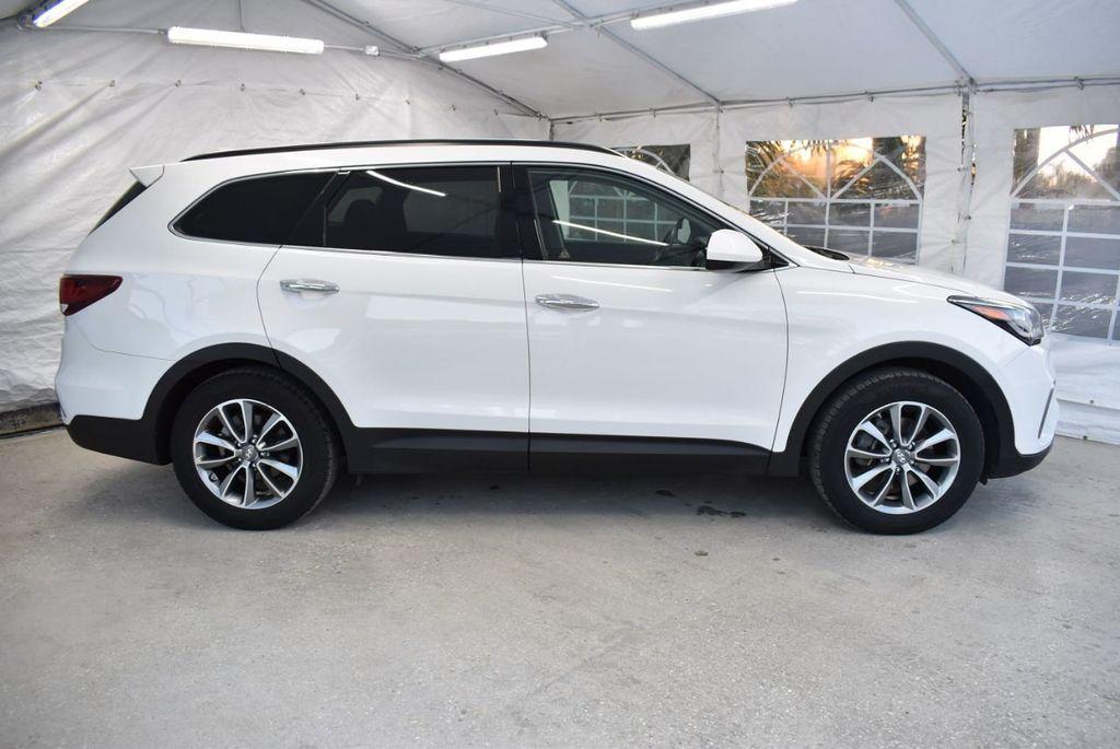 2017 Hyundai Santa Fe  - 18546205 - 2