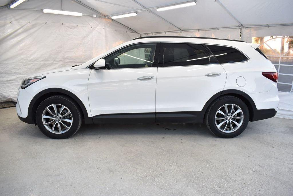 2017 Hyundai Santa Fe  - 18546205 - 4