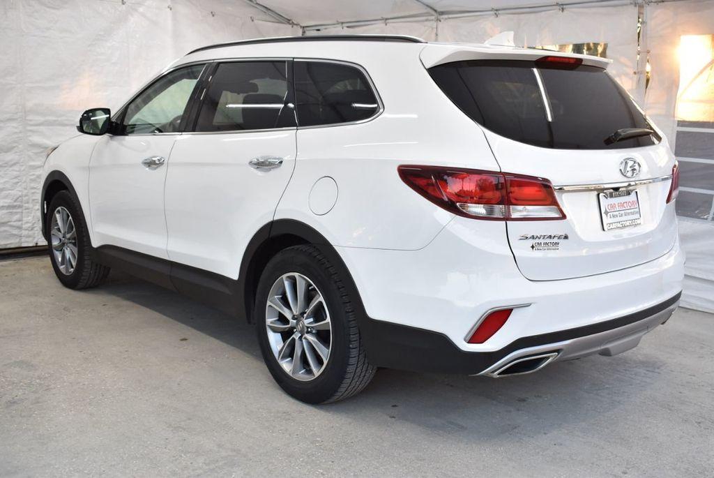 2017 Hyundai Santa Fe  - 18546205 - 5