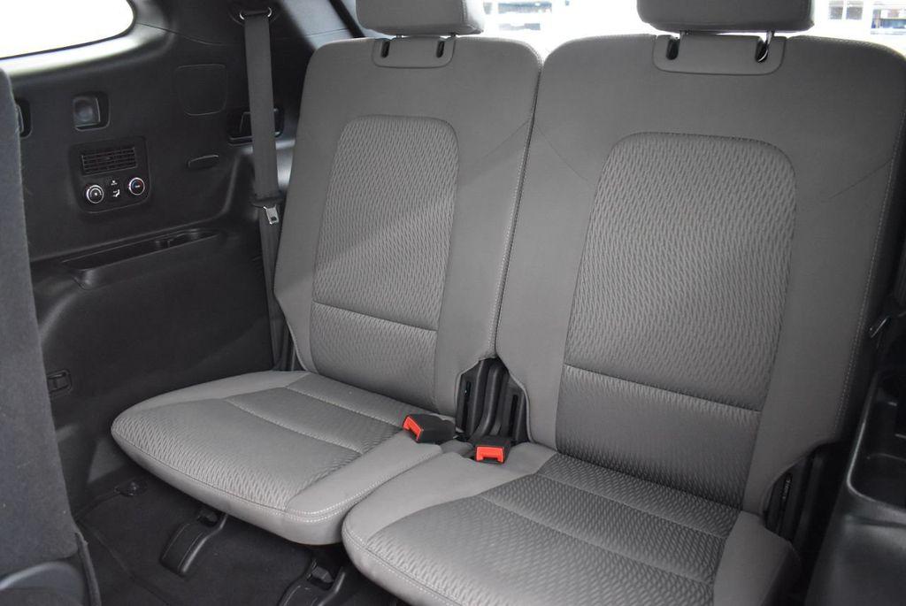 2017 Hyundai Santa Fe 6LS2 - 18432684 - 10