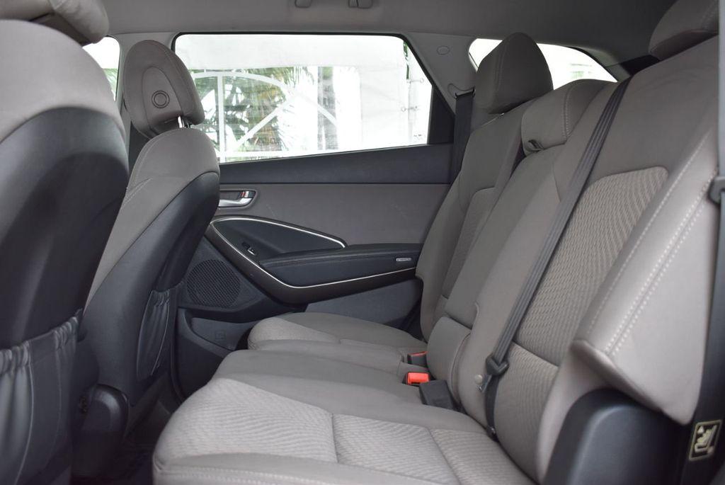 2017 Hyundai Santa Fe 6LS2 - 18432684 - 11