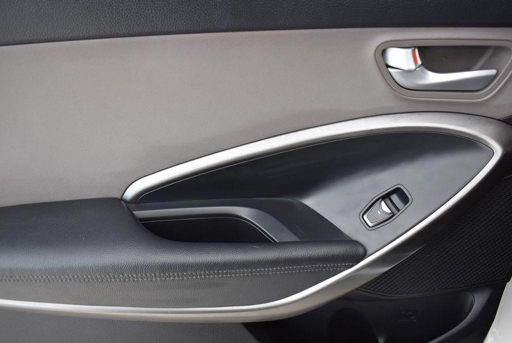 2017 Hyundai Santa Fe 6LS2 - 18432684 - 12
