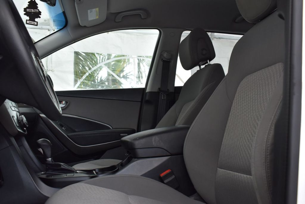 2017 Hyundai Santa Fe 6LS2 - 18432684 - 13
