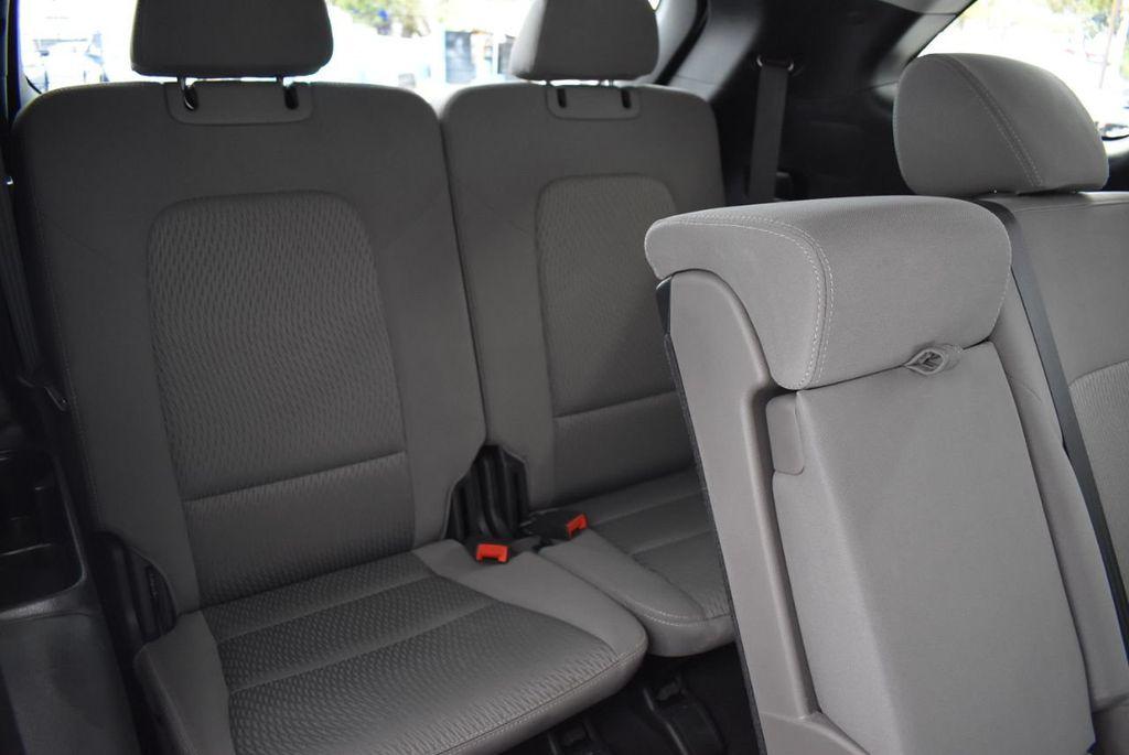 2017 Hyundai Santa Fe 6LS2 - 18432684 - 19