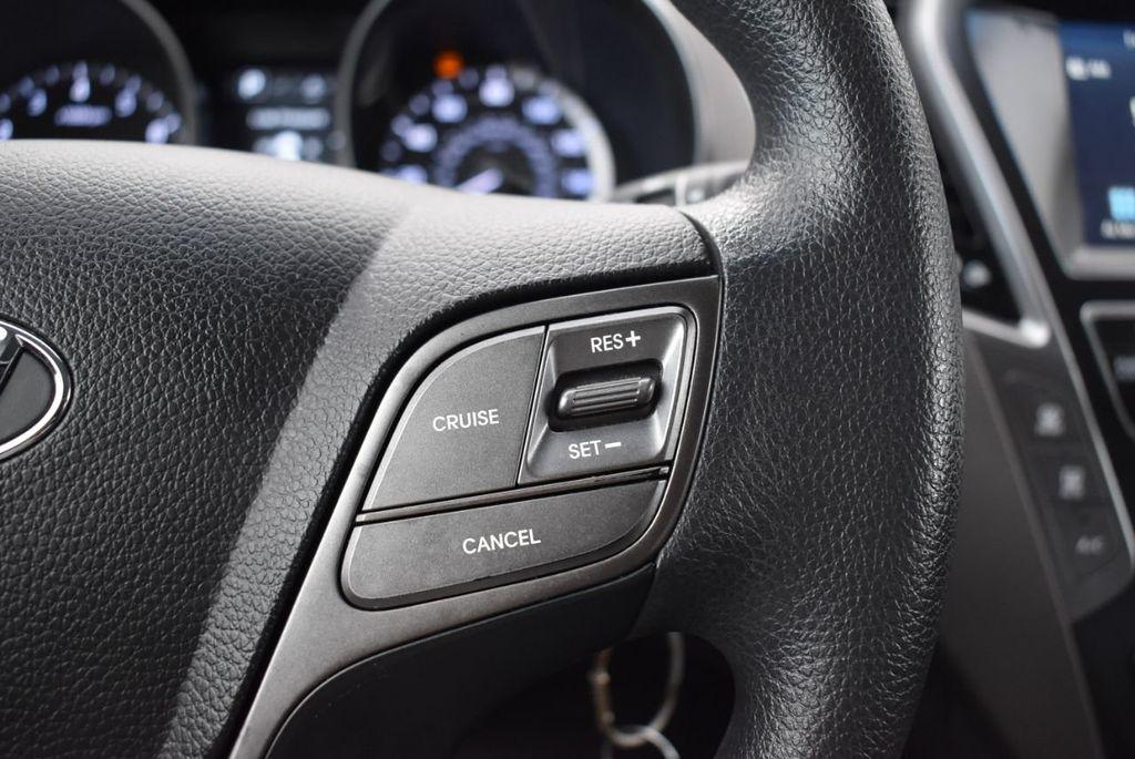 2017 Hyundai Santa Fe 6LS2 - 18432684 - 22