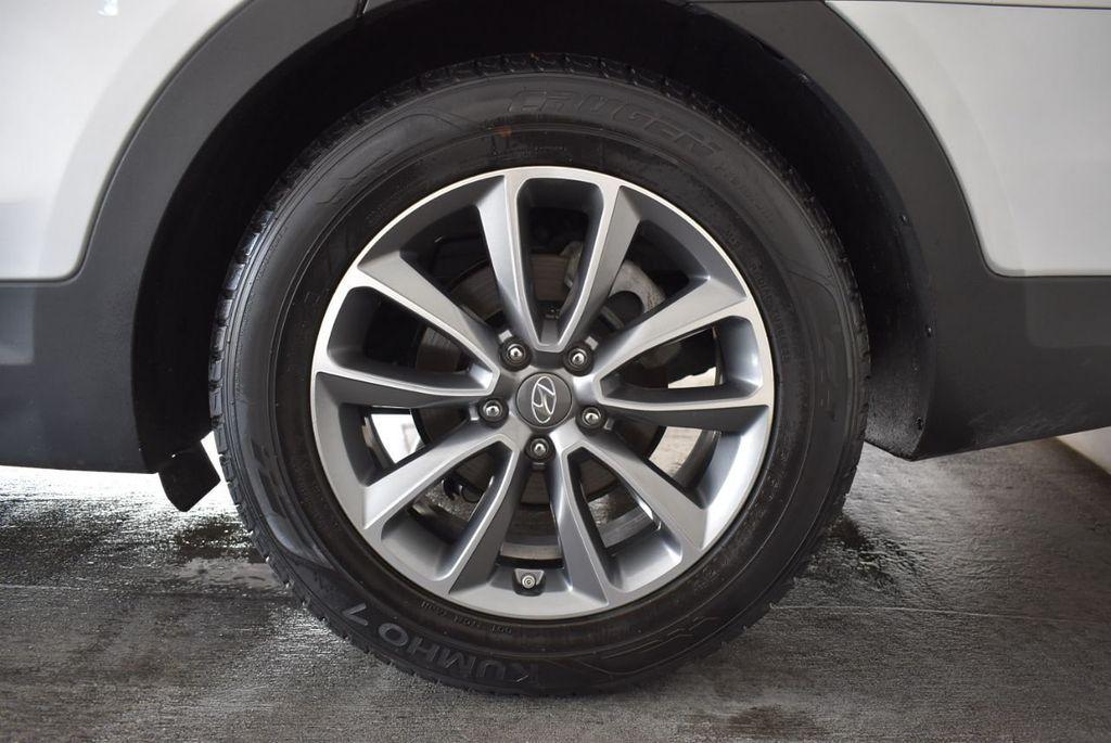 2017 Hyundai Santa Fe Limited 3.3L Automatic - 18093581 - 10