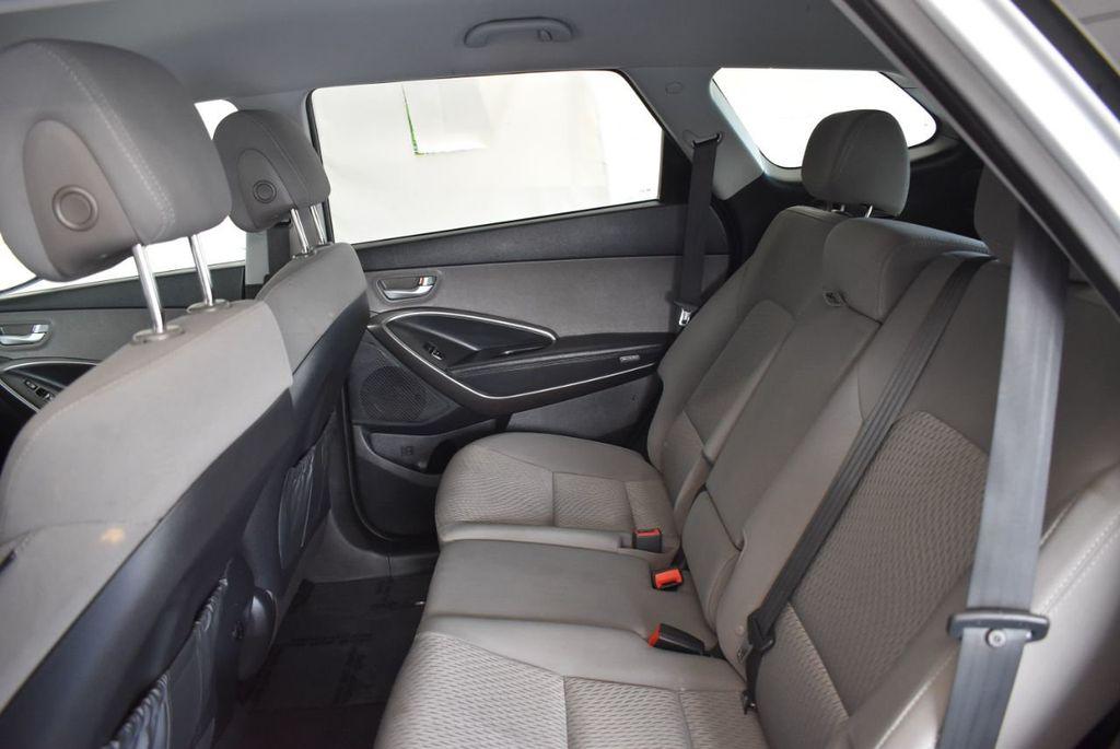 2017 Hyundai Santa Fe Limited 3.3L Automatic - 18093581 - 12