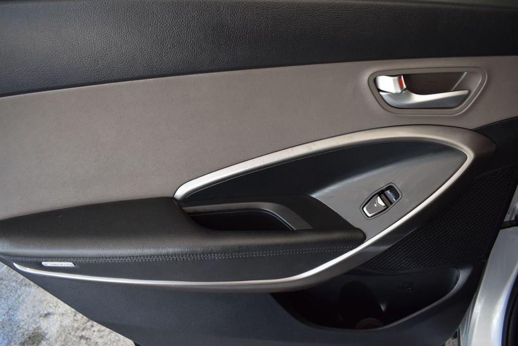 2017 Hyundai Santa Fe Limited 3.3L Automatic - 18093581 - 13