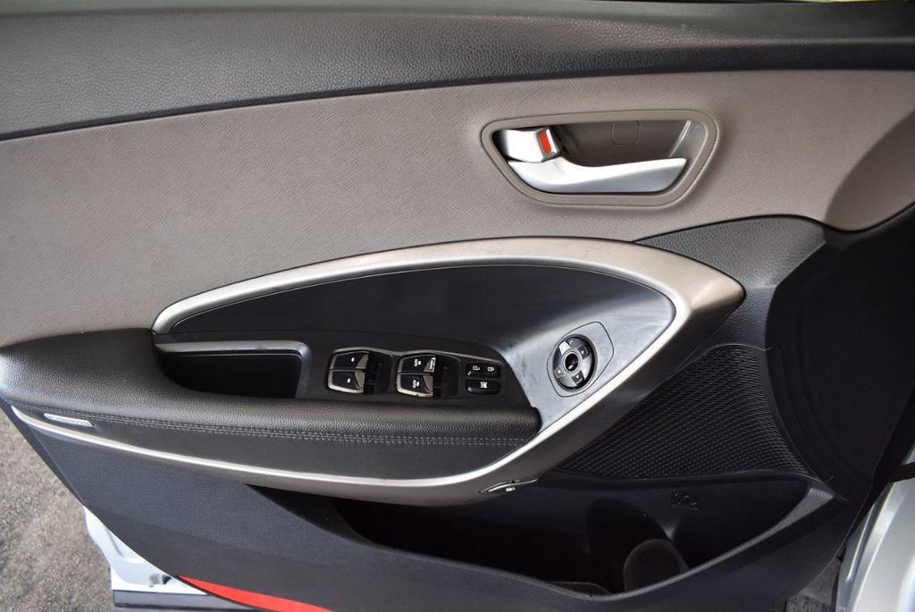 2017 Hyundai Santa Fe Limited 3.3L Automatic - 18093581 - 15