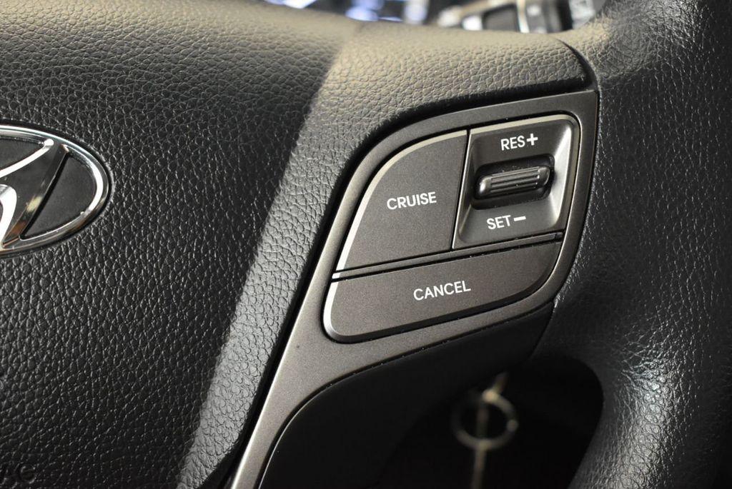 2017 Hyundai Santa Fe Limited 3.3L Automatic - 18093581 - 18