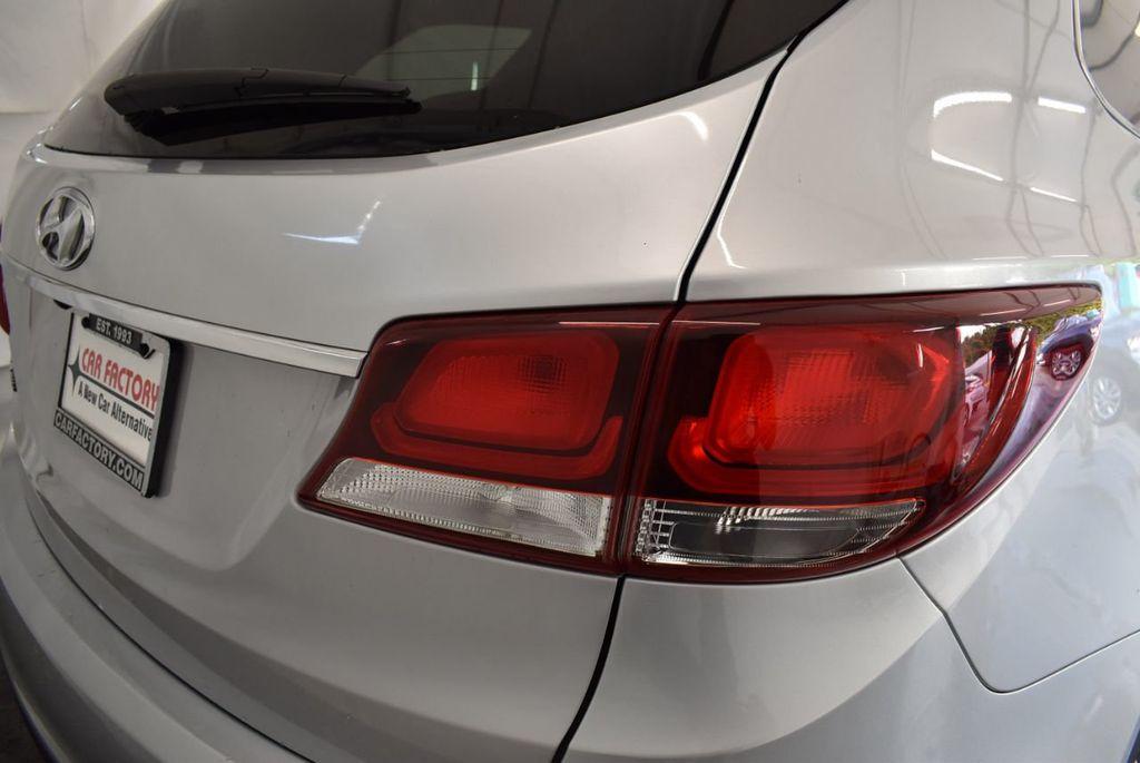 2017 Hyundai Santa Fe Limited 3.3L Automatic - 18093581 - 1