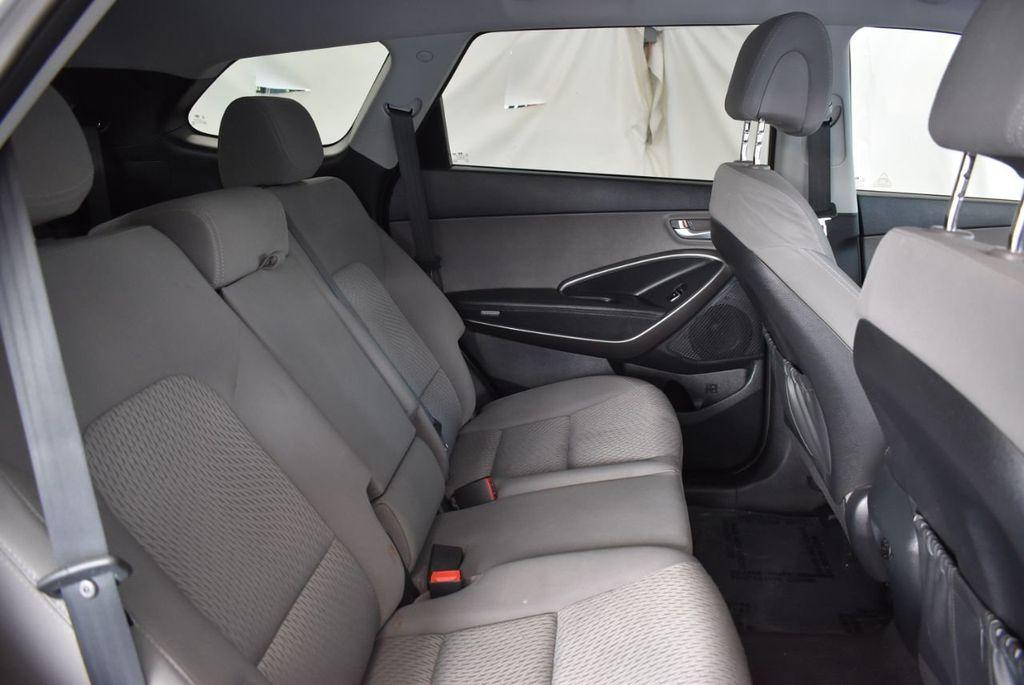 2017 Hyundai Santa Fe Limited 3.3L Automatic - 18093581 - 22