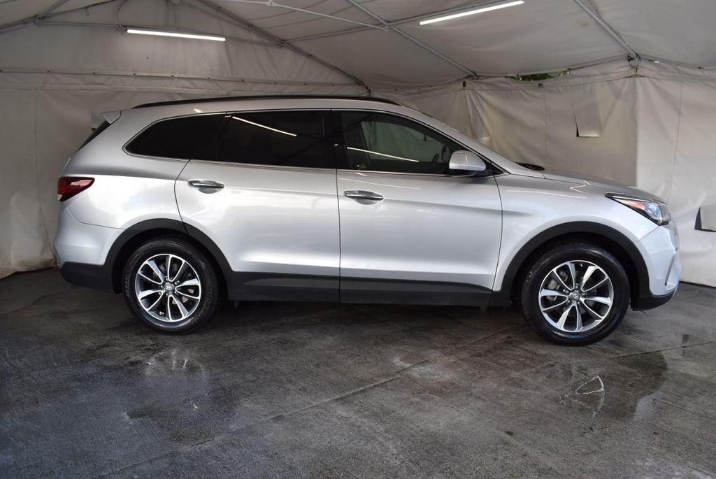 2017 Hyundai Santa Fe Limited 3.3L Automatic - 18093581 - 2