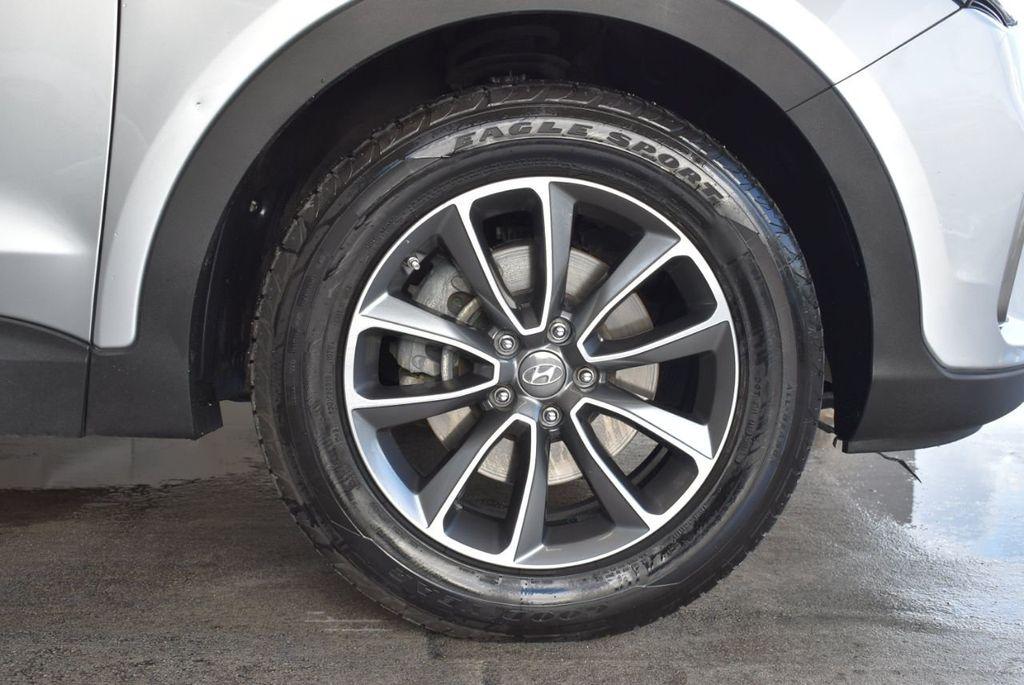 2017 Hyundai Santa Fe Limited 3.3L Automatic - 18093581 - 8