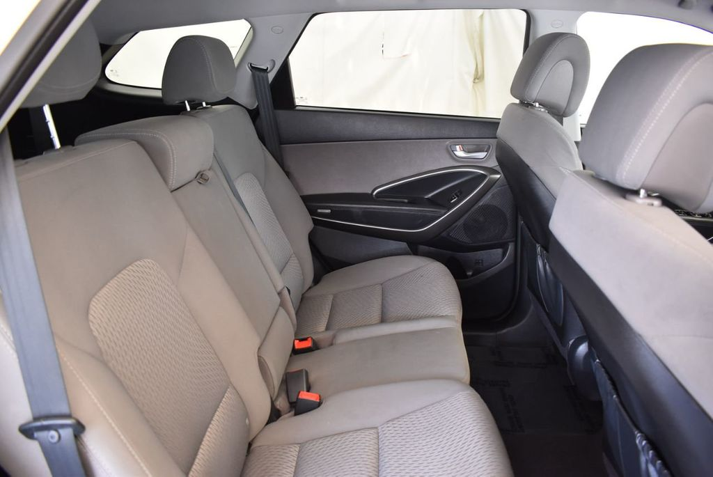 2017 Hyundai Santa Fe Limited 3.3L Automatic - 18093580 - 10